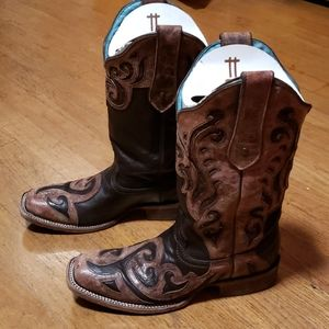 Corral boots sz 8.5